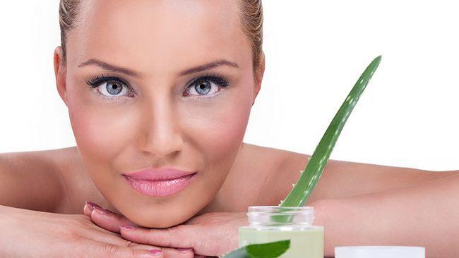 Cum se aplica gelul de aloe pentru acnee