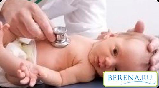 При каждом плановом осмотре педиатр контролирует состояние родничка, его размеры и период закрытия