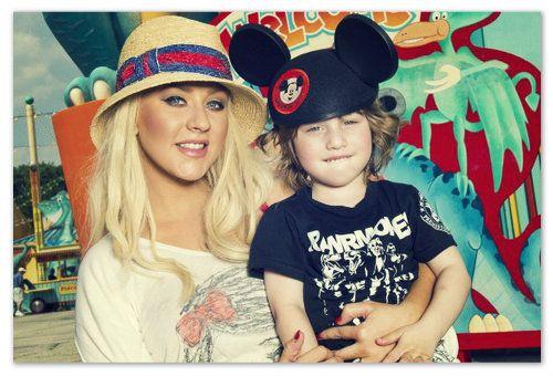 Christina Aguilera gravidă al doilea copil.