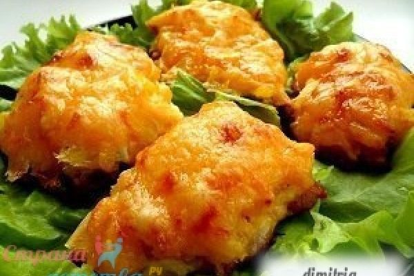 Курица, запеченная с ананасами и сыром - рецепт с фото.
