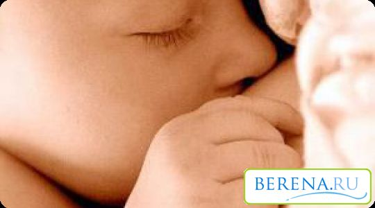 Acest fenomen nu cauzează disconfort la copil, dar stoarce lichidul de la san sau freca ei nu au nevoie