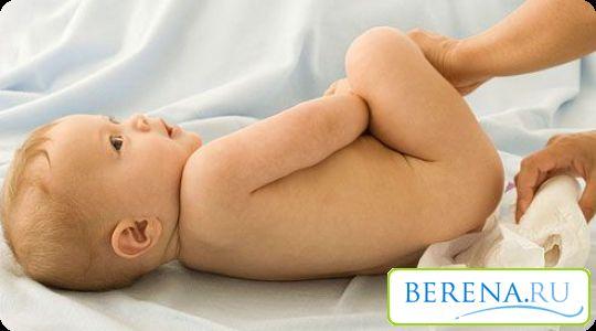 Для лечения потницы необходимо по возможностью исключить контакт с водой, а после водных процедур тщательно промакивать кожу малыша мягким полотенцем