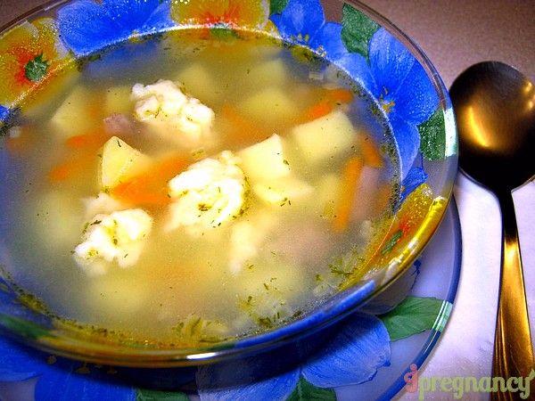 servire de supă cu găluște